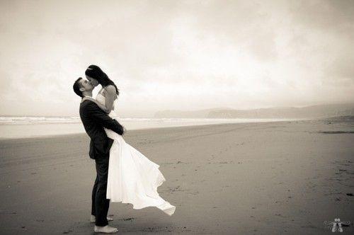 images couples mariage noir et blanc. Black Bedroom Furniture Sets. Home Design Ideas